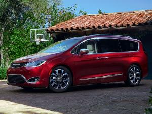 10 7-Passenger Cars With Good Gas Mileage