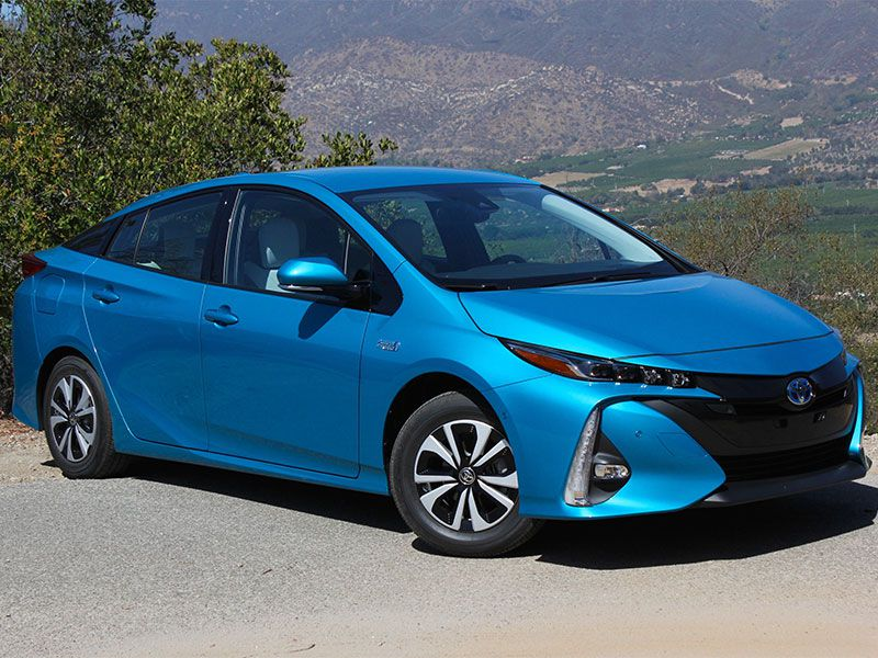 2017 toyota prius prime road test and review. Black Bedroom Furniture Sets. Home Design Ideas