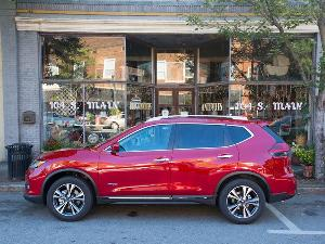 2017 Nissan Rogue Hybrid Road Test and Review