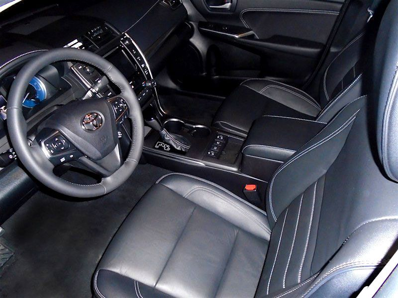 Interior Design And Capacities The Toyota Camry Hybrid Xle S