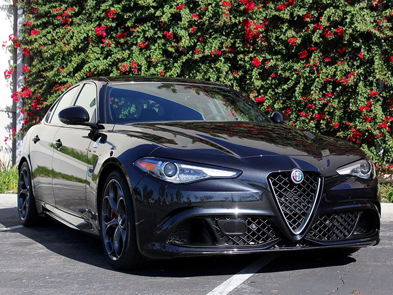 10 Things You Need to Know About the 2017 Alfa Romeo Giulia