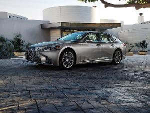 10 Things You Need to Know About the All-New 2018 Lexus LS 500