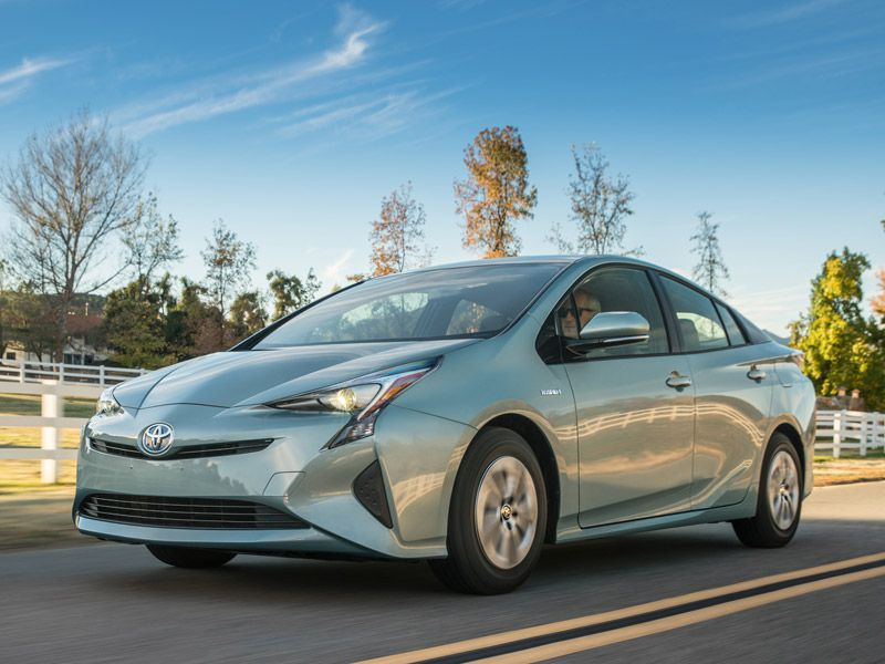 2017 Toyota Prius Road Test and Review