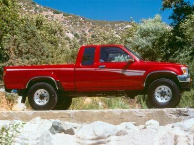 5 Older Trucks with Good Gas Mileage | Autobytel com