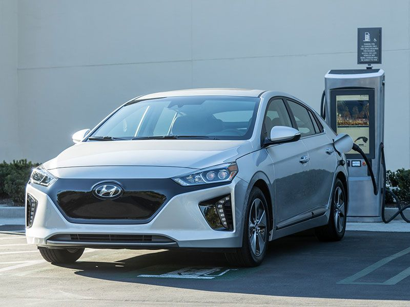 What Does A Powertrain Warranty Cover >> 2017 Hyundai Ioniq Road Test and Review | Autobytel.com
