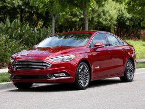 2017 Ford Fusion Hybrid Road Test and Review