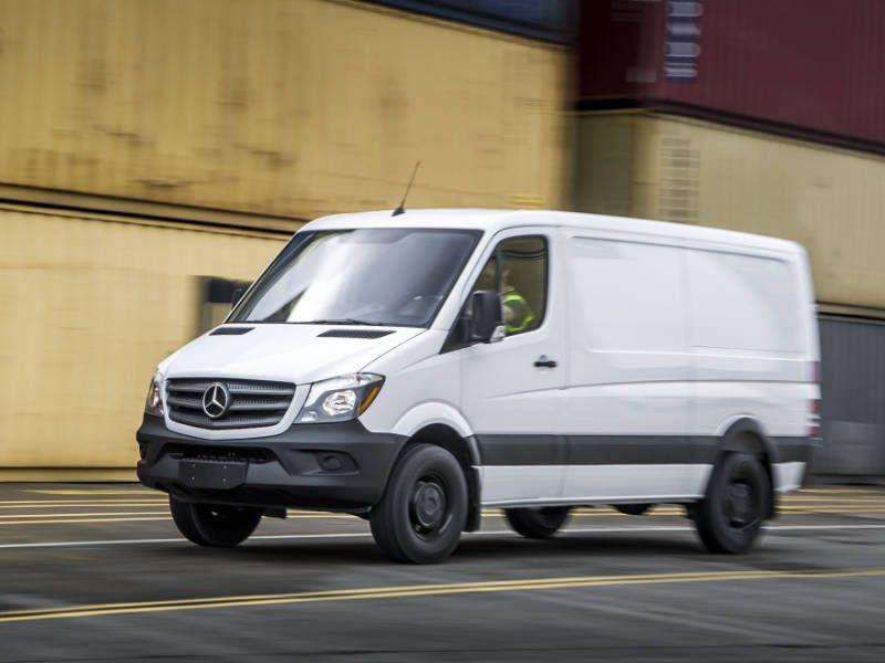 8 vans with high towing capacity