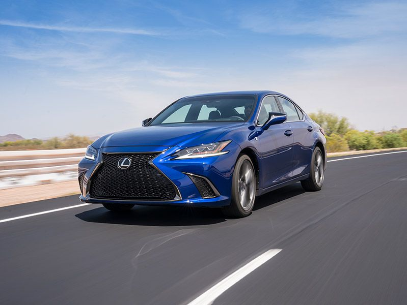 2019 Lexus ES front three quarter