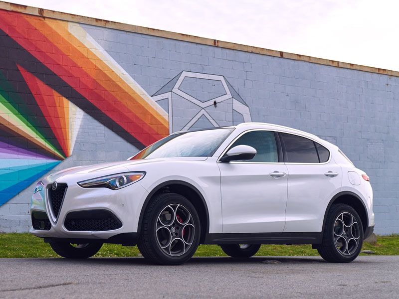 10 Things You Need to Know About the 2018 Alfa Romeo Stelvio