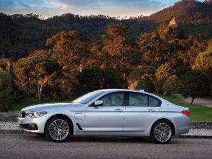 10 Things You Need to Know About the BMW 530e Hybrid