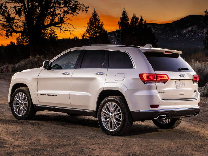 2017 jeep grand cherokee vs 2017 ford explorer which is best. Black Bedroom Furniture Sets. Home Design Ideas