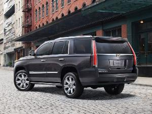2017 Cadillac Escalade vs 2016 Lincoln Navigator: Which is ...