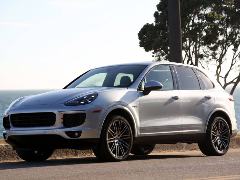 2017 porsche cayenne e hybrid road test and review. Black Bedroom Furniture Sets. Home Design Ideas