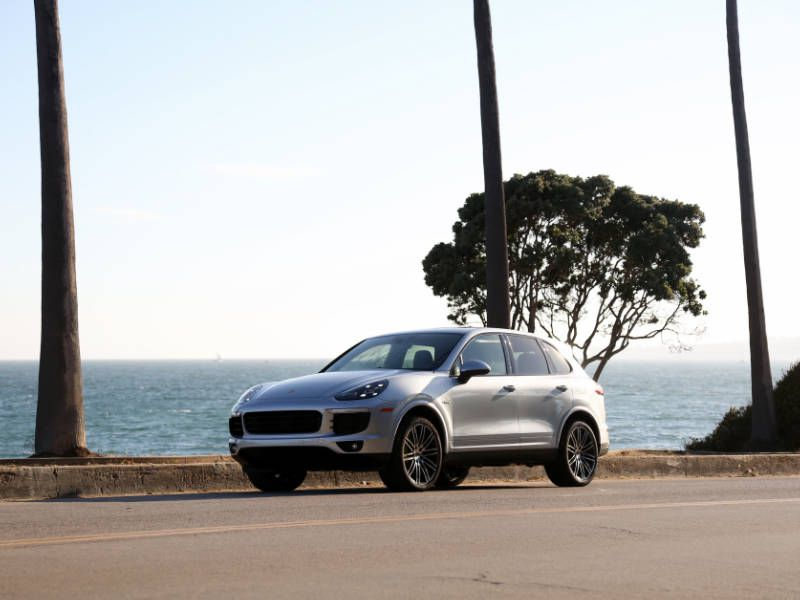 2017 Porsche Cayenne E-Hybrid Road Test and Review