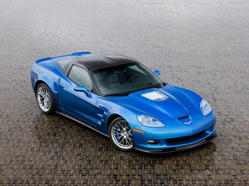 10 cars and trucks with the best v8 engines autobytel 2009 chevrolet corvette zr1 sciox Choice Image
