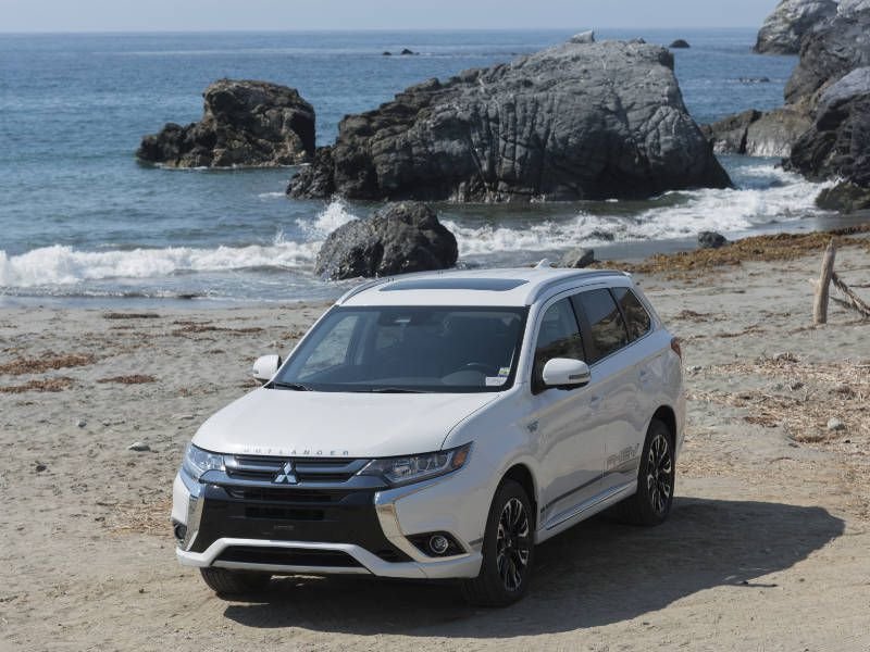 2018 Mitsubishi Outlander Plug-in Hybrid Road Test and Review