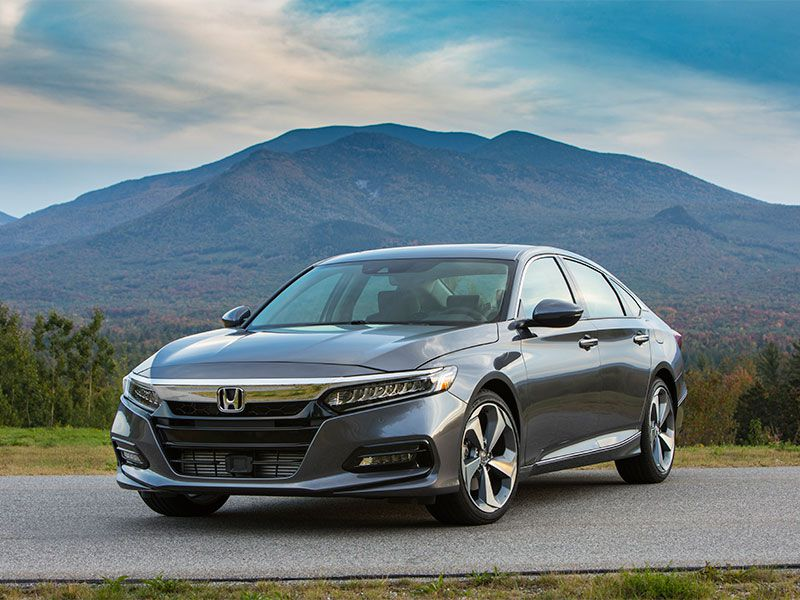 10 Reasons the 2018 Honda Accord is the AutoWeb Buyer's Choice Best Sedan