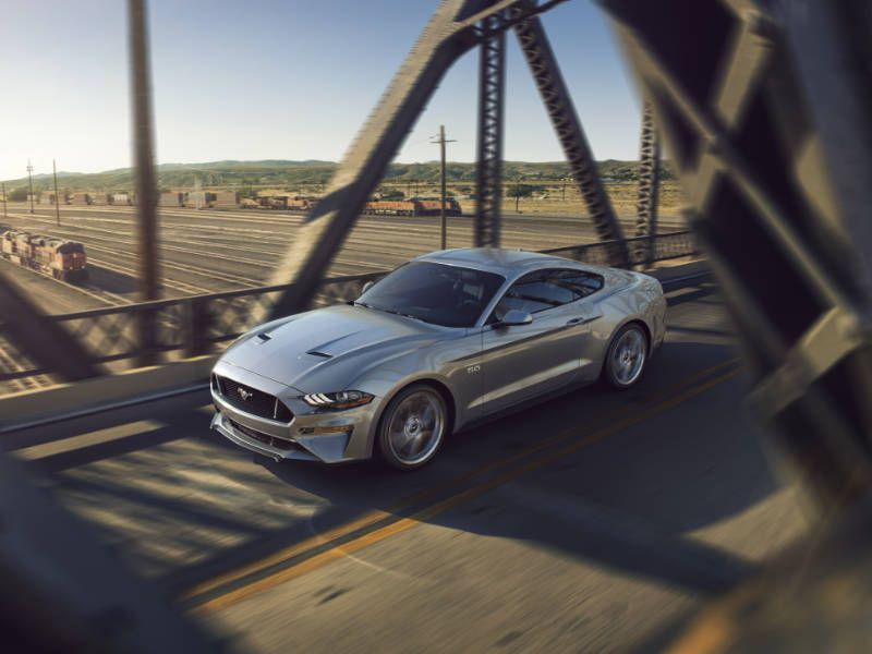 2018 Ford Mustang GT front three quarter top hero