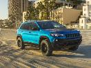 2019 Jeep Cherokee front three quarter beach