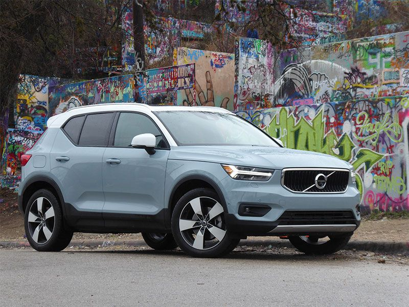 10 things you need to know about the 2019 volvo xc40. Black Bedroom Furniture Sets. Home Design Ideas