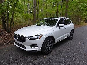 2018 Volvo XC60 Plug-in Hybrid Road Test and Review