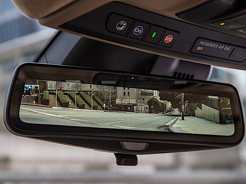 2019 Gmc Sierra - Rear View Mirror Is New Tech