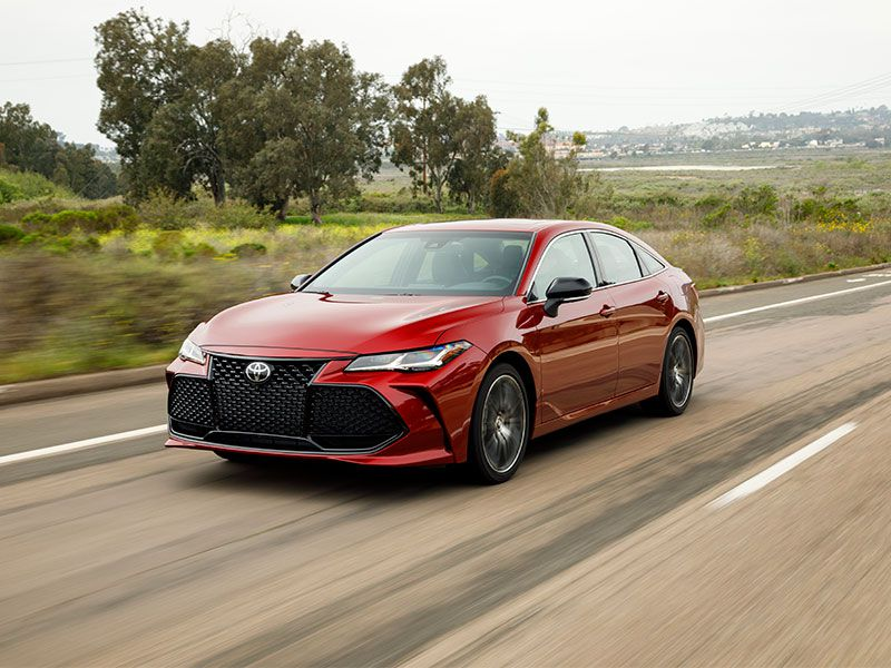 2019 Toyota Avalon exterior on road