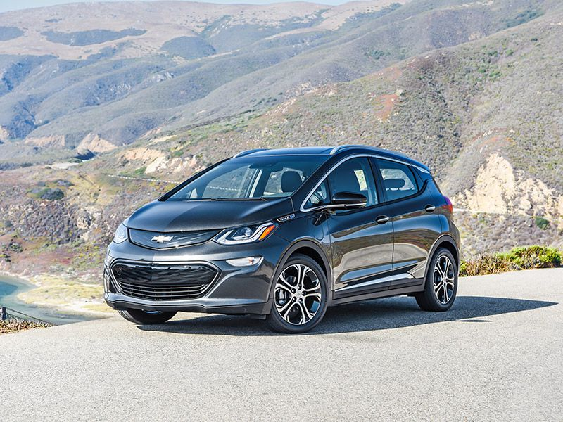 2018 Chevrolet BoltEV front three quarter driving