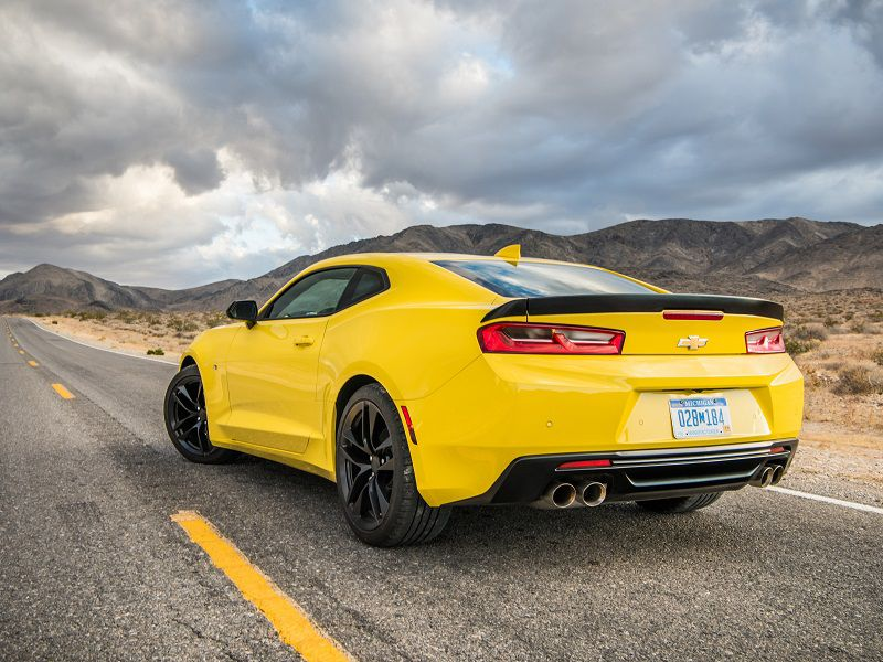 2018 Chevrolet Camaro 1LE V6 yellow rear quarter
