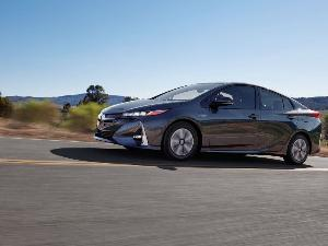 2018 Toyota Prius Prime Road Test and Review