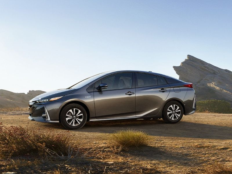 2018 toyota prius prime road test and review. Black Bedroom Furniture Sets. Home Design Ideas