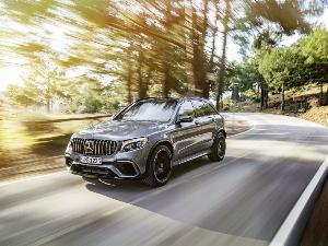 10 Fastest Luxury SUVs
