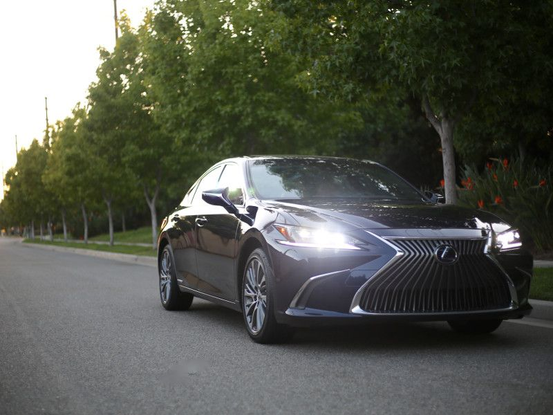 10 Important Things About The 2019 Lexus Es 300h
