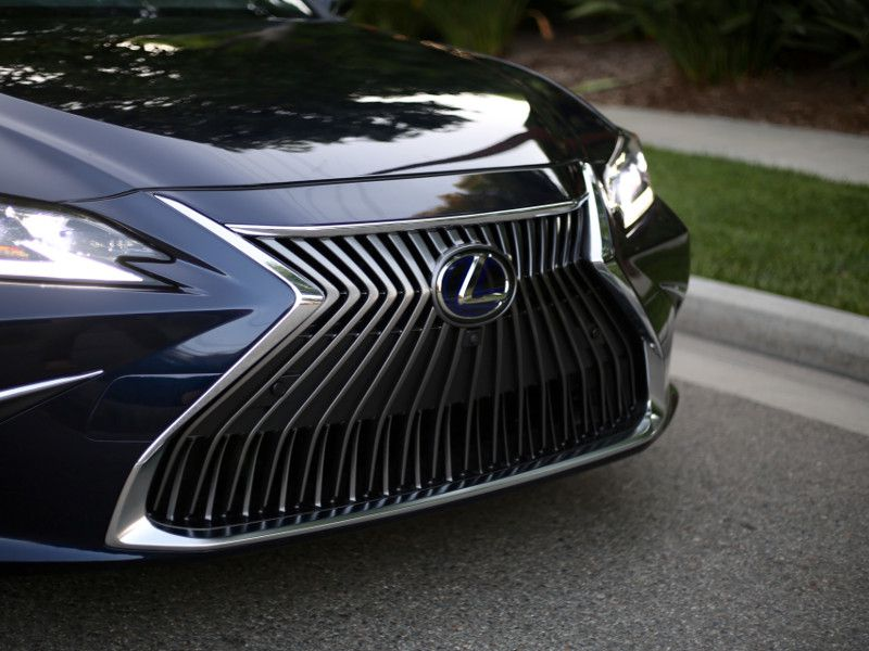 Lexus Says It S The Most Aggressive Body Of Any Es So Far