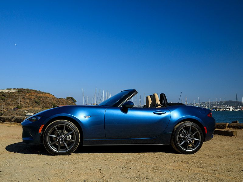 2019 Mazda MX 5 Miata blue profile