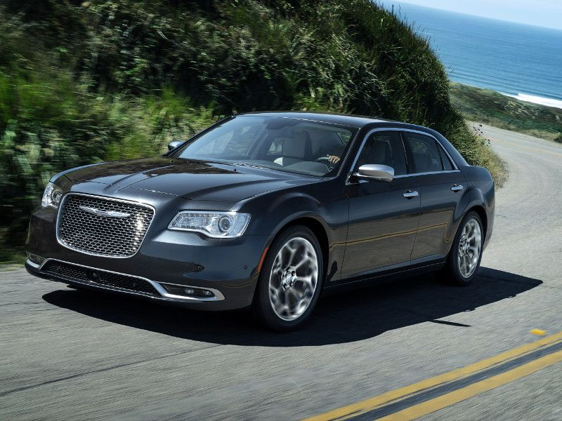 2019 Chrysler 300C on winding road