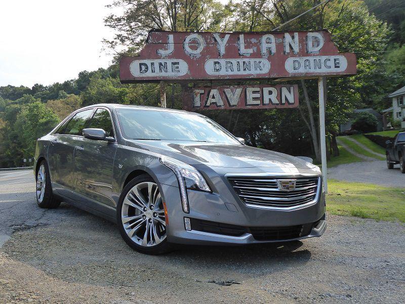 10 Best Looking Luxury Cars
