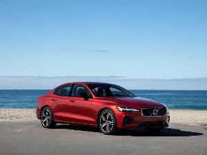2019 Volvo S60 Road Test and Review