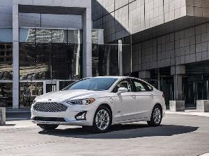10 Ford Fusion Competitors to Consider