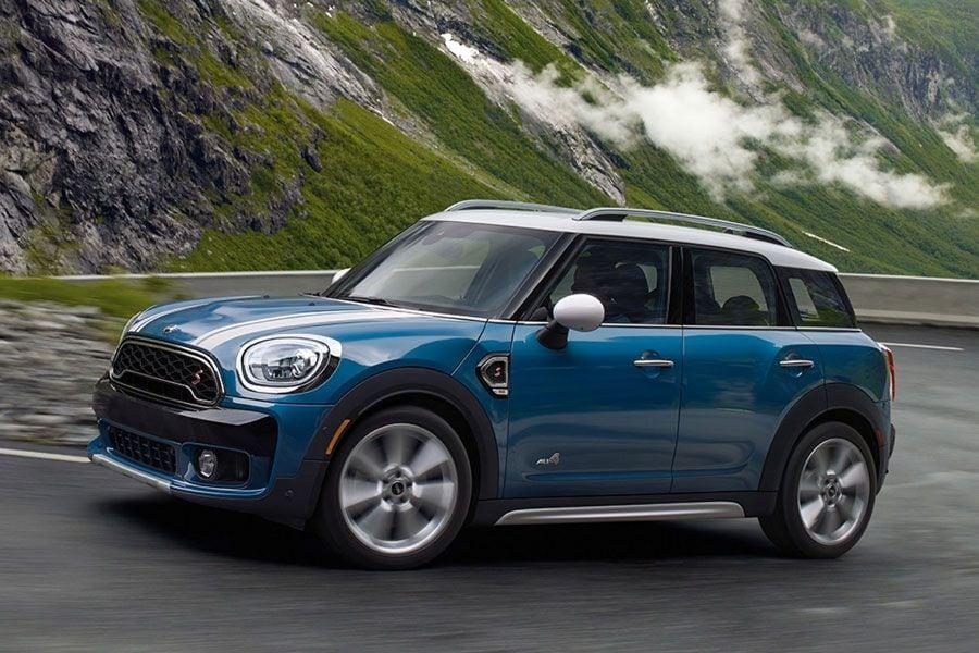 Alfa Stelvio Carplay >> Mom on a Budget: Car Shopping for a New Family Ride | Autobytel.com