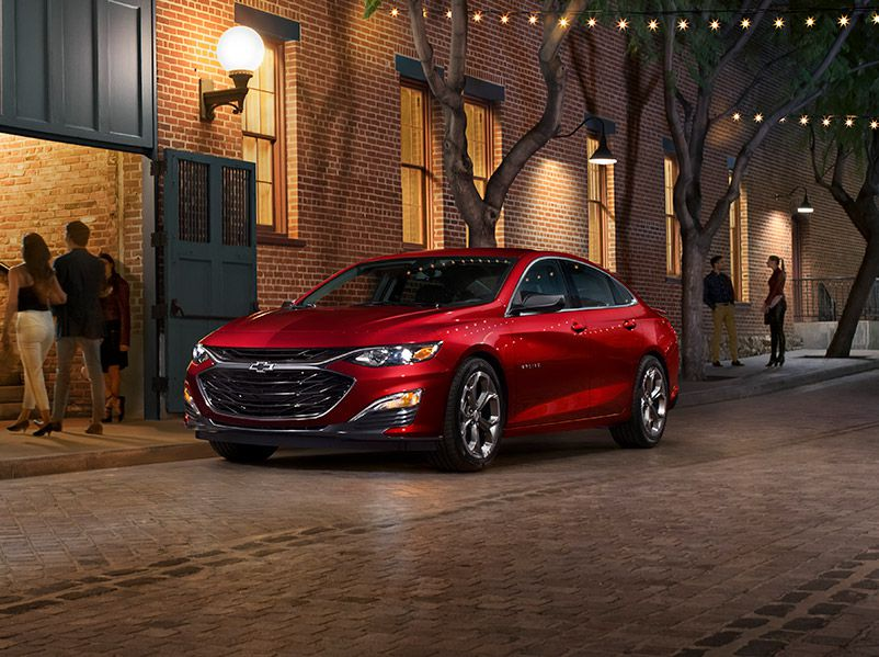 2019 Chevrolet Malibu front three quarter red