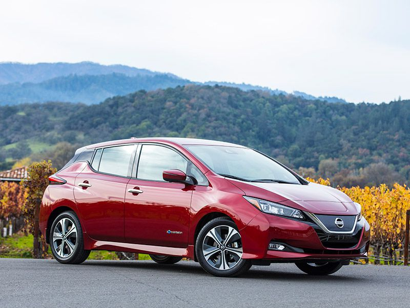 2019 Nissan Leaf front three quarter