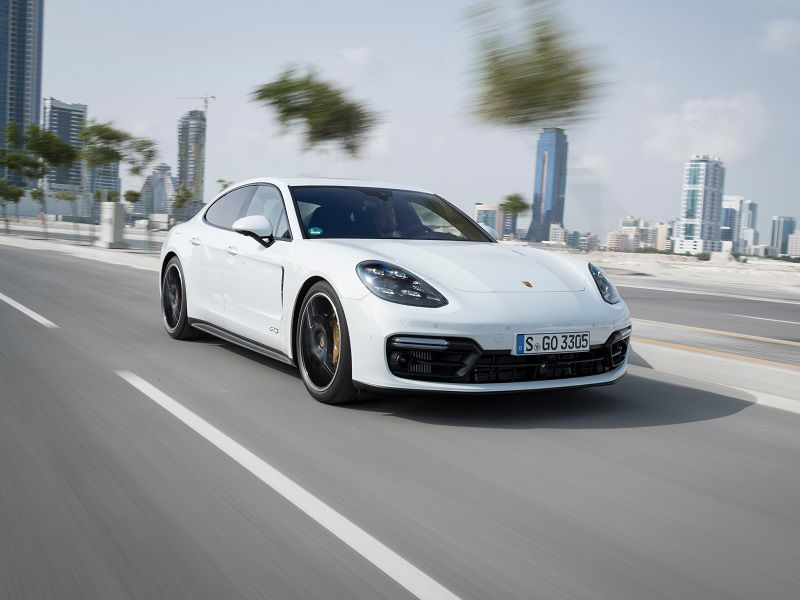 Luxury Vehicle: 10 Of The Best Luxury Cars For Tall Drivers