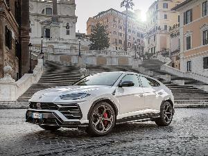 2019 Lamborghini Urus Road Test and Review