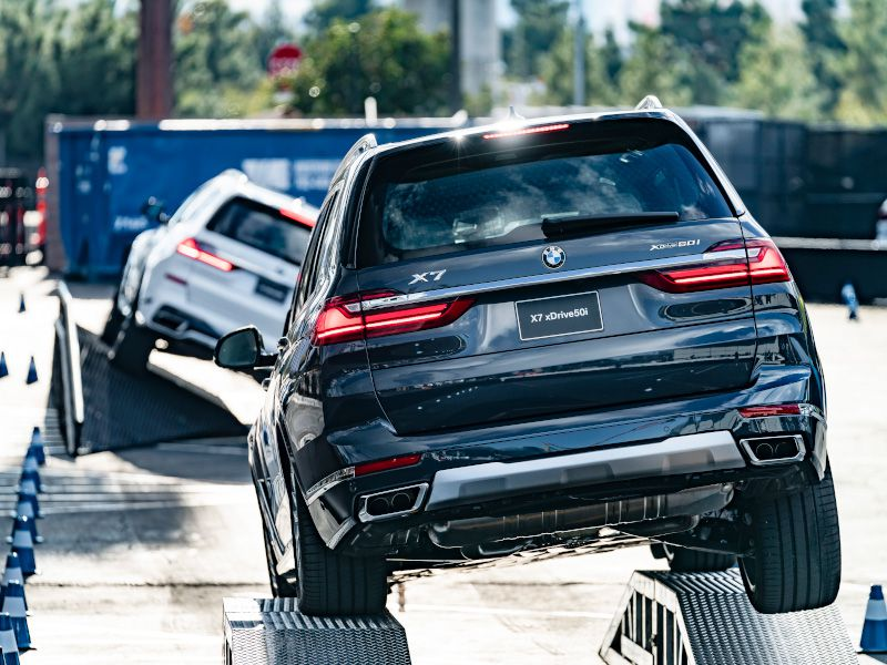 2019 BMW X7 vs. 2019 Mercedes-Benz GLS: Which Is Best?