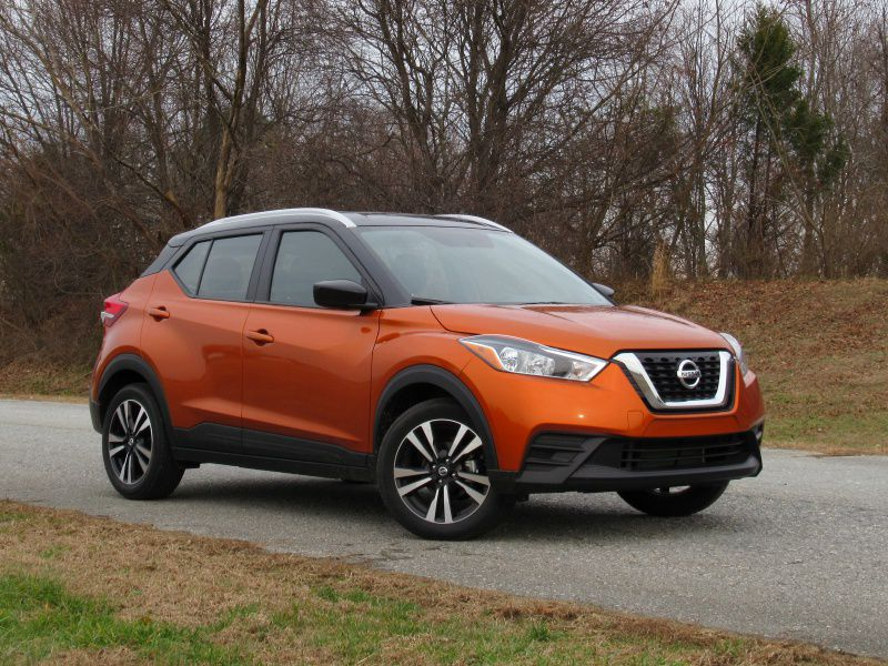 2019 Nissan Kicks front three quarter