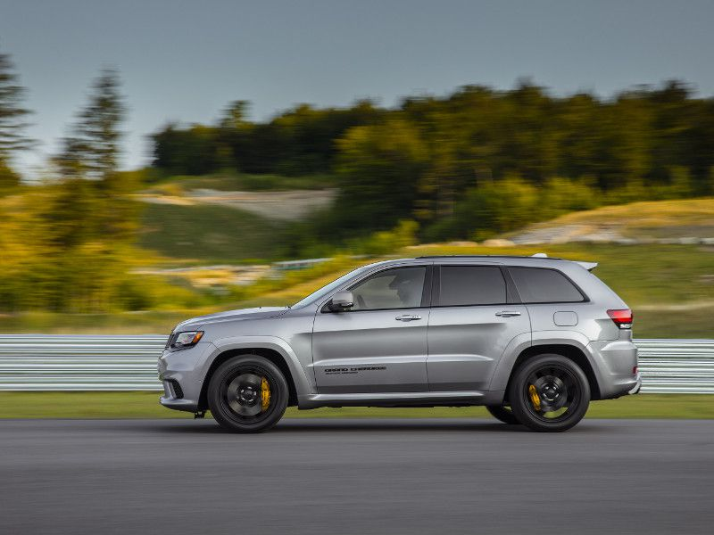 2019 Jeep Grand Cherokee Trackhawk Road Test and Review ...