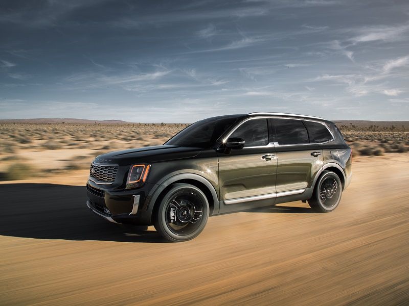 2020 Kia Telluride Dark Green Off Road Front Three Quarter