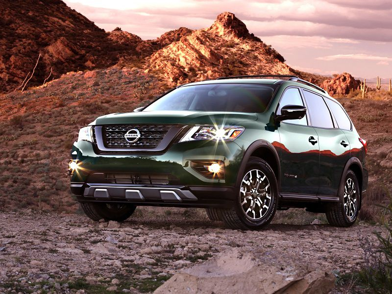 2019 Nissan Pathfinder Rock Creek Green Front Three Quarter