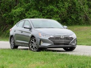 2019 Hyundai Elantra Road Test and Review